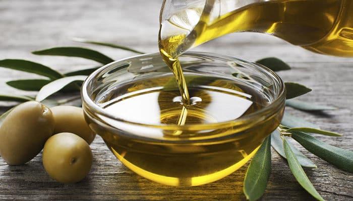 los beneficios del aceite de oliva para las salud de tu gato